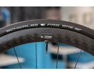 Schwalbe Pro One Tubeless Set + Doc Blue